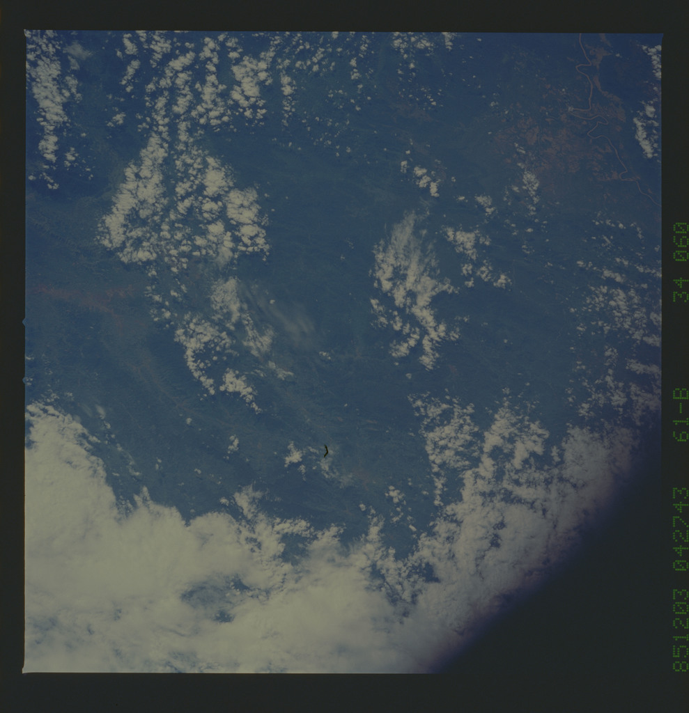 61B-34-060 - STS-61B - STS-61B earth observations