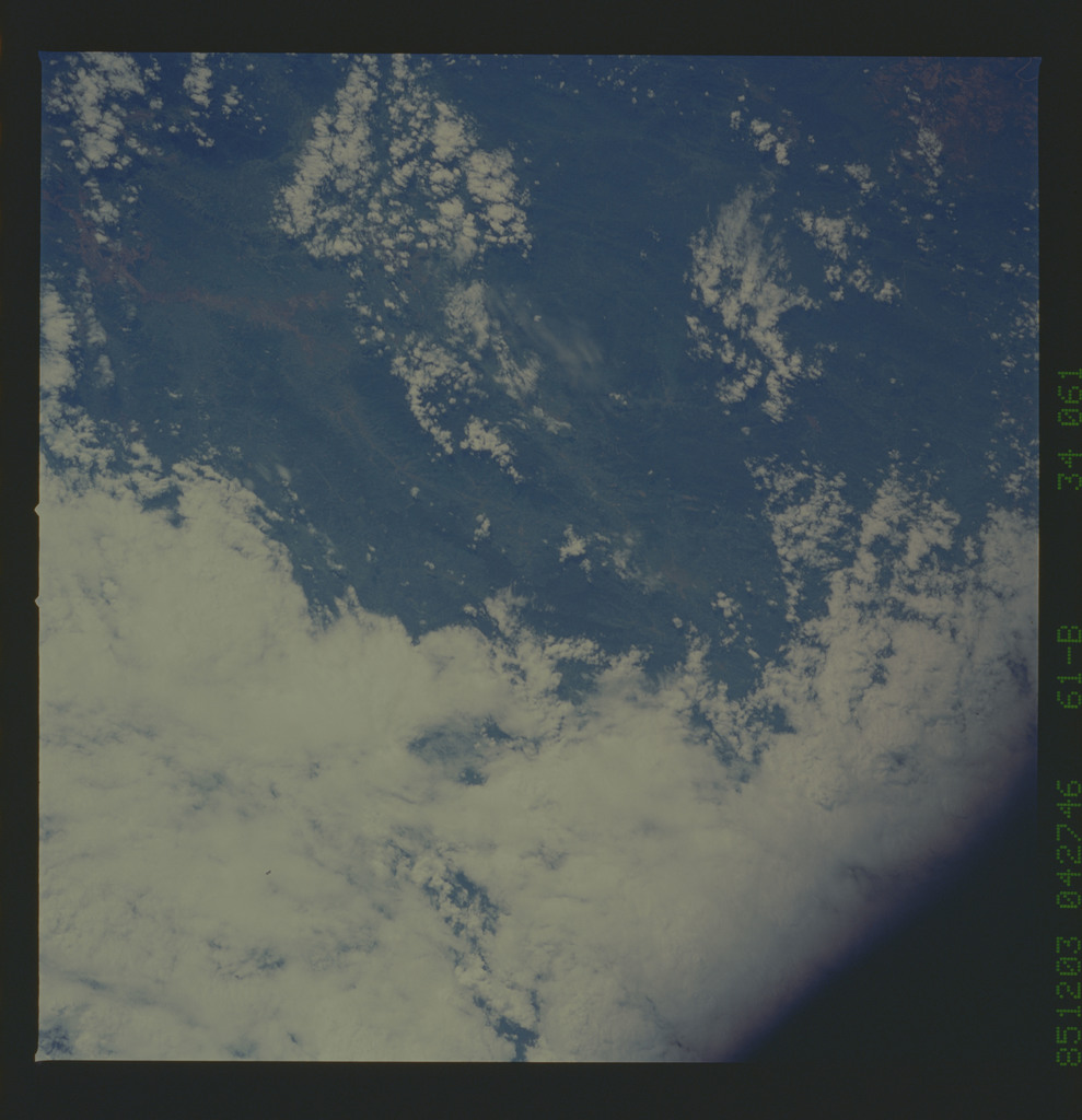 61B-34-061 - STS-61B - STS-61B earth observations