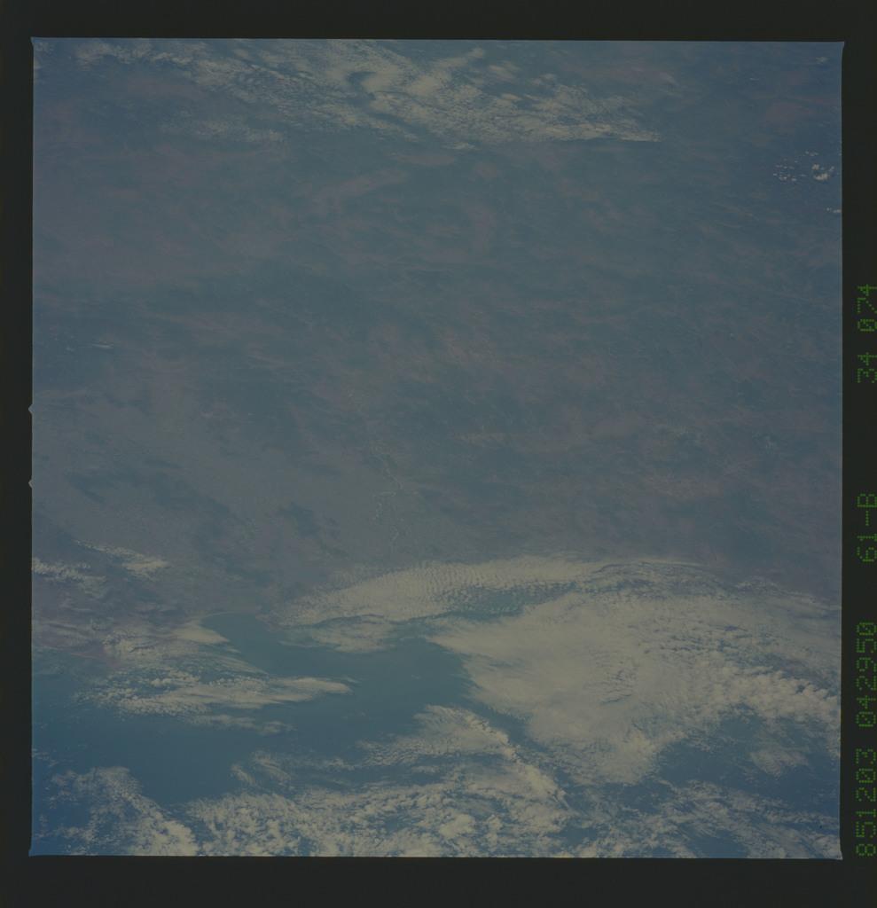 61B-34-074 - STS-61B - STS-61B earth observations