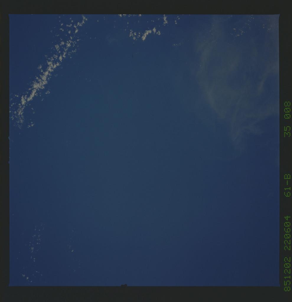 61B-35-008 - STS-61B - STS-61B earth observations