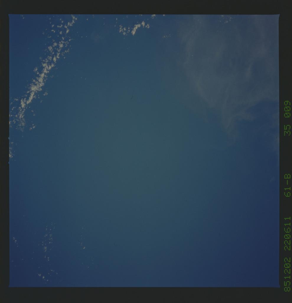 61B-35-009 - STS-61B - STS-61B earth observations