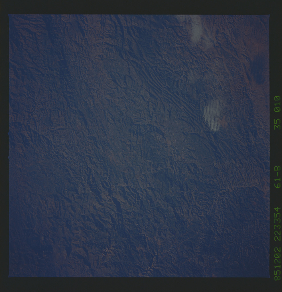 61B-35-010 - STS-61B - STS-61B earth observations