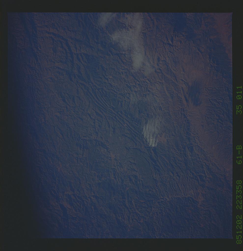 61B-35-011 - STS-61B - STS-61B earth observations