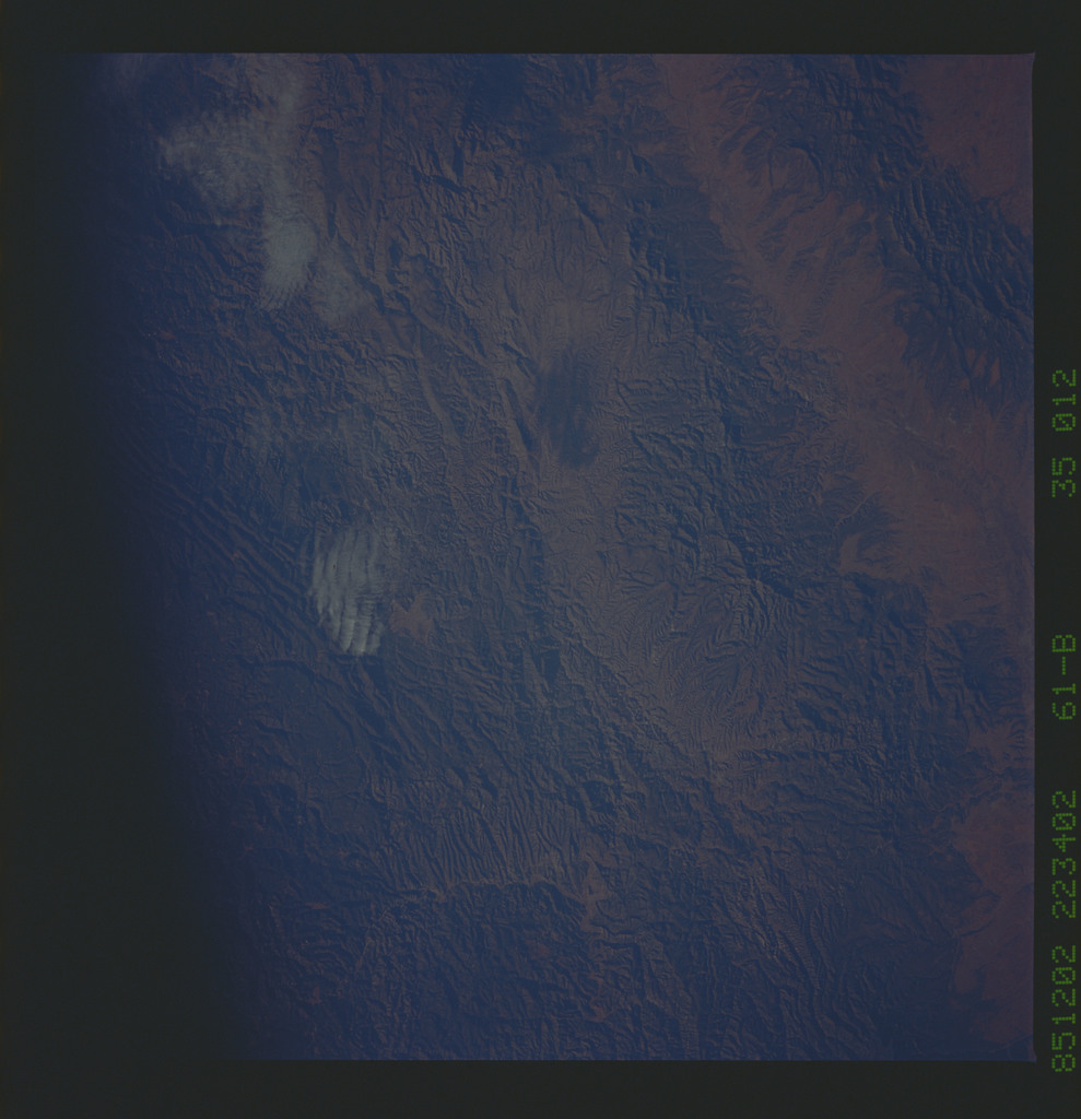 61B-35-012 - STS-61B - STS-61B earth observations