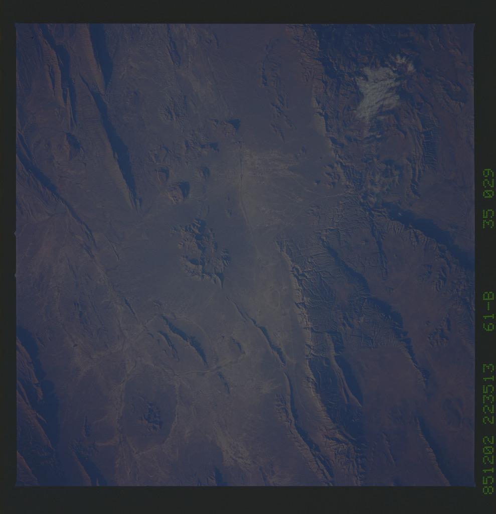 61B-35-029 - STS-61B - STS-61B earth observations