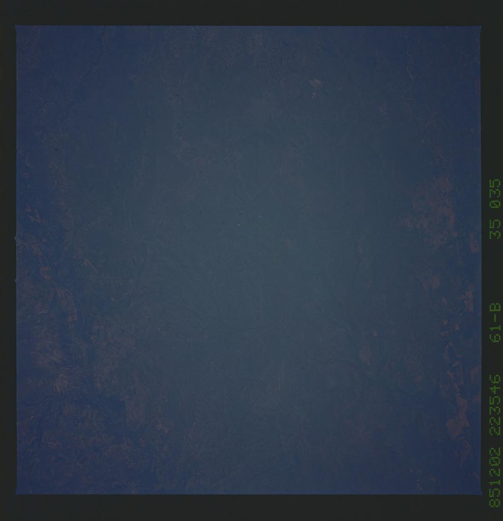 61B-35-035 - STS-61B - STS-61B earth observations