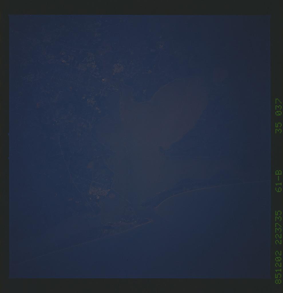 61B-35-037 - STS-61B - STS-61B earth observations