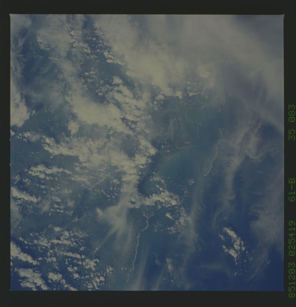61B-35-083 - STS-61B - STS-61B earth observations