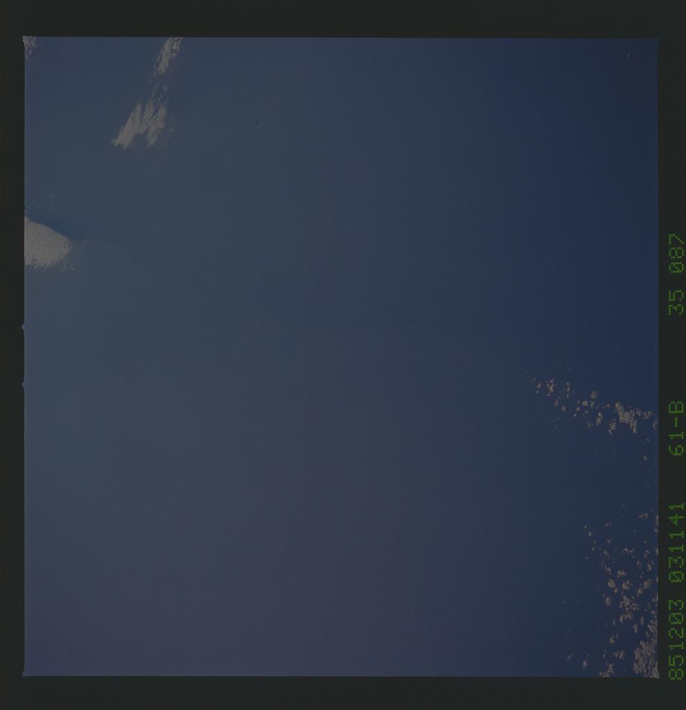 61B-35-087 - STS-61B - STS-61B earth observations