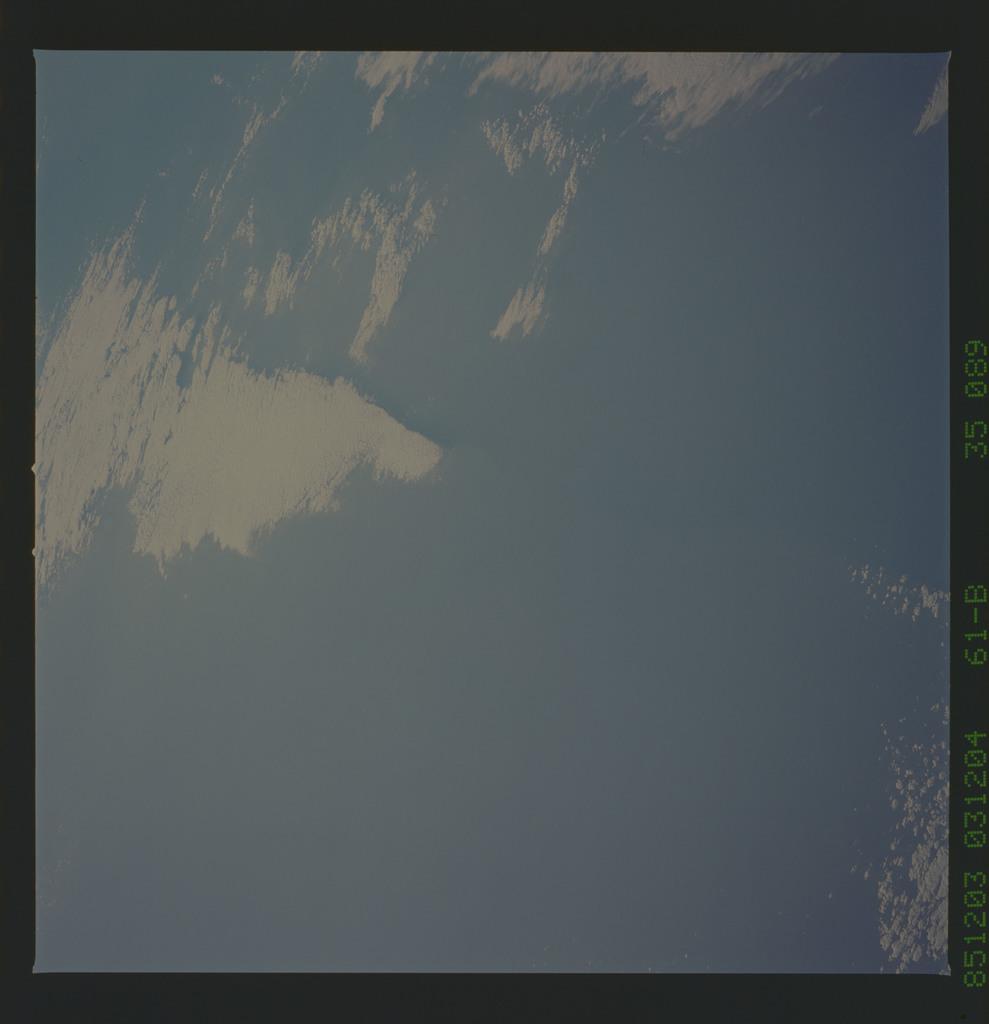 61B-35-089 - STS-61B - STS-61B earth observations