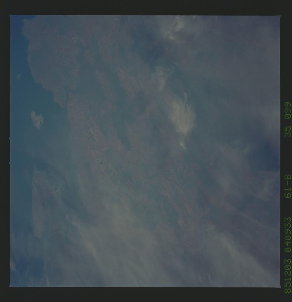 61B-35-099 - STS-61B - STS-61B earth observations