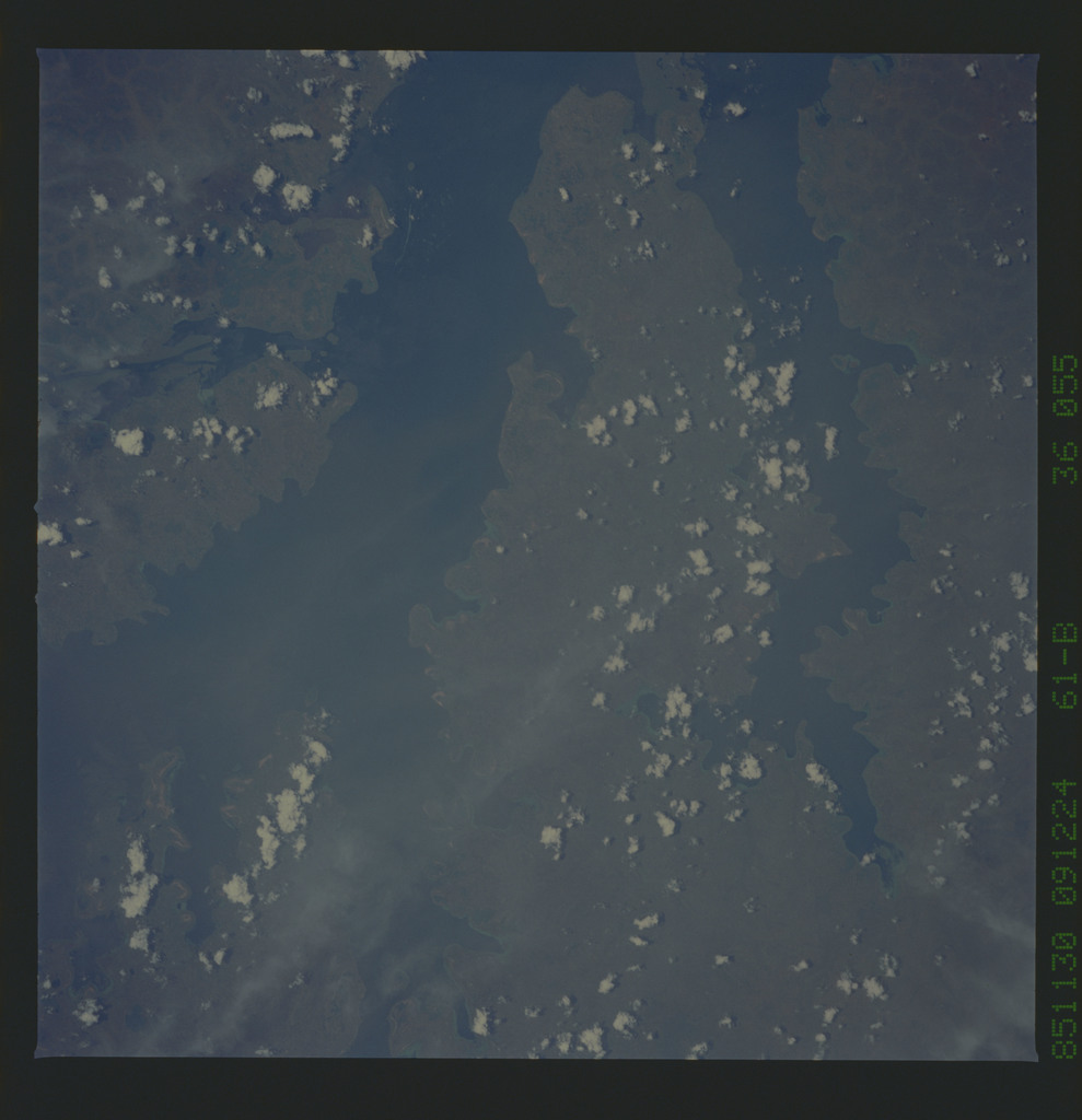 61B-36-055 - STS-61B - STS-61B earth observations