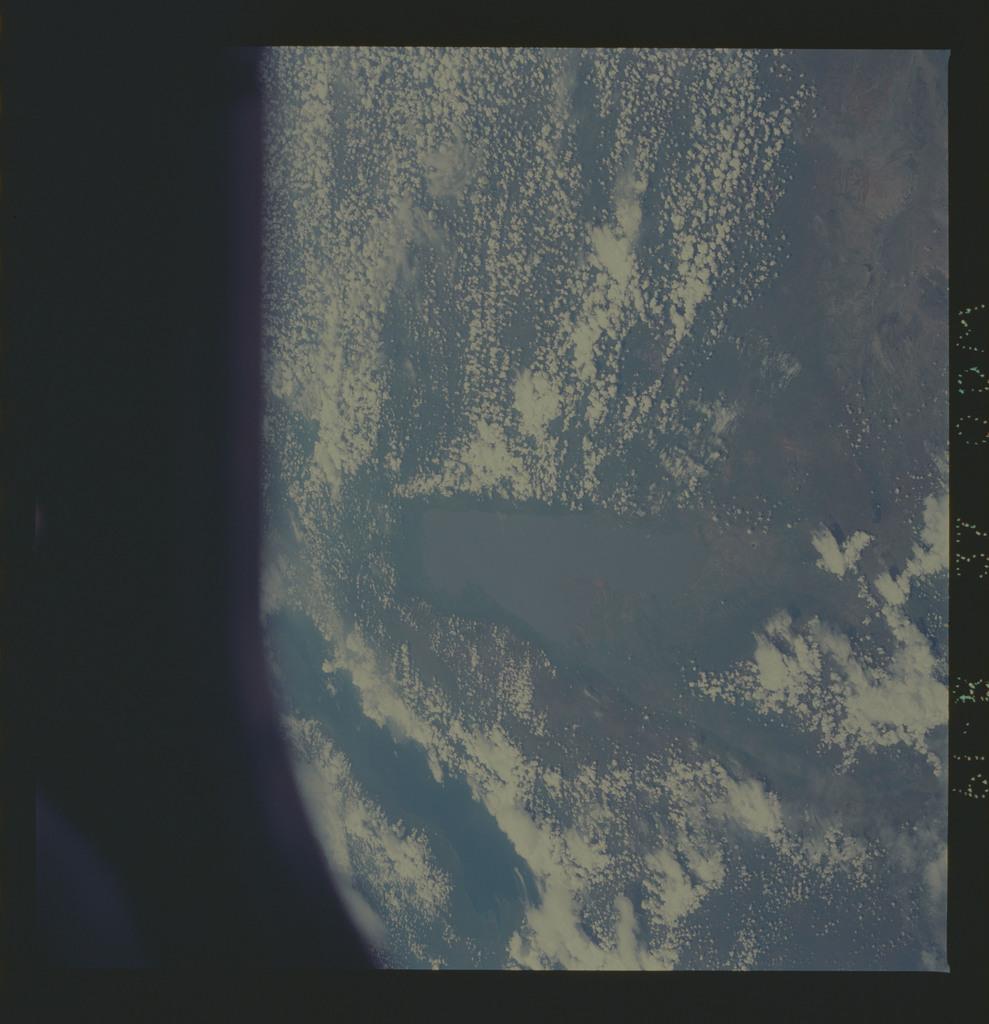61B-37-000M - STS-61B - STS-61B earth observations