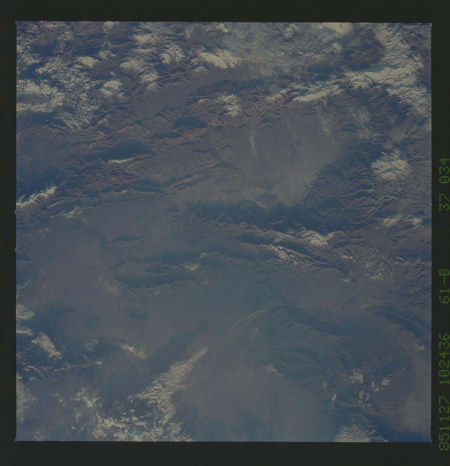 61B-37-034 - STS-61B - STS-61B earth observations