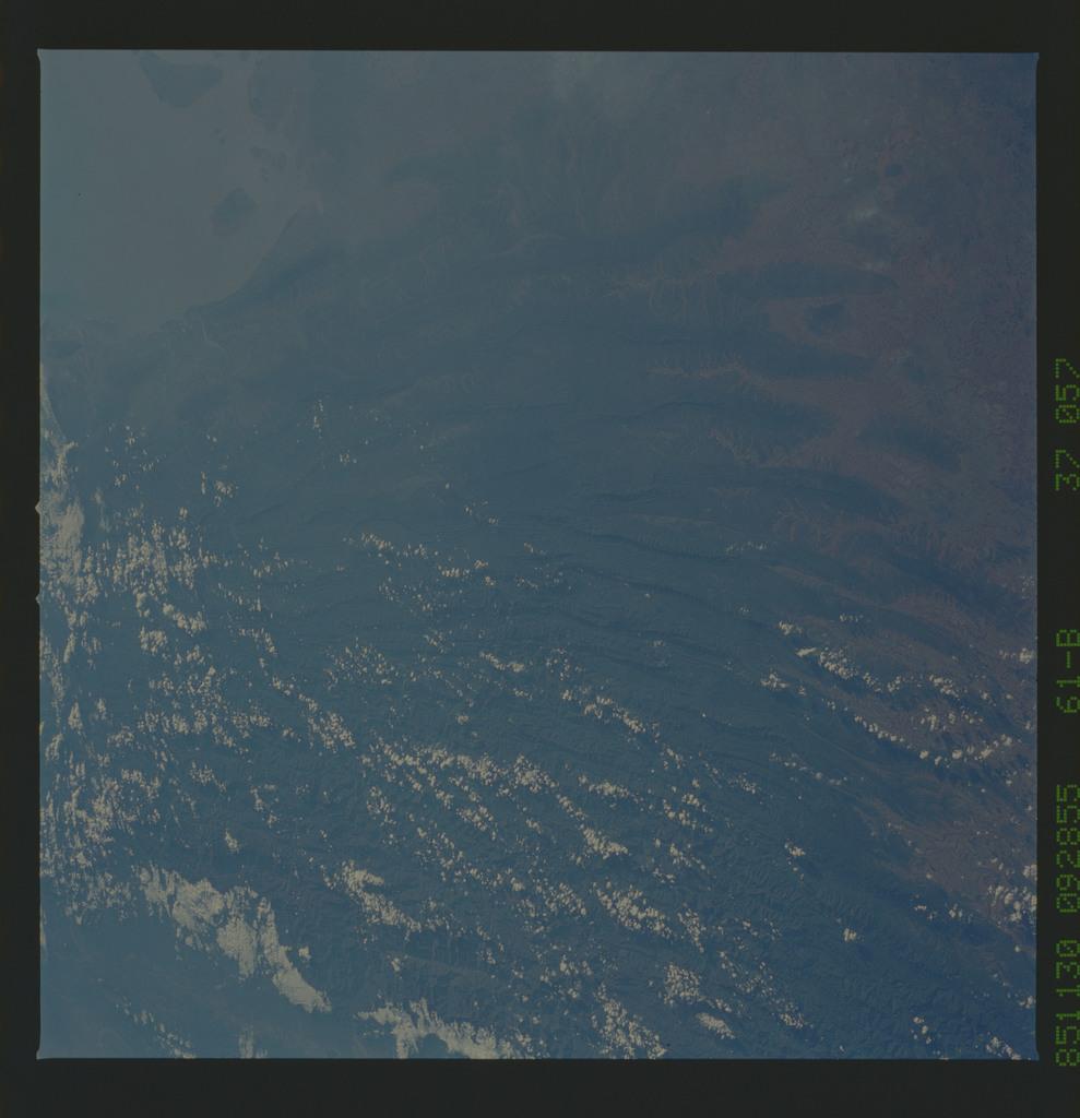 61B-37-057 - STS-61B - STS-61B earth observations