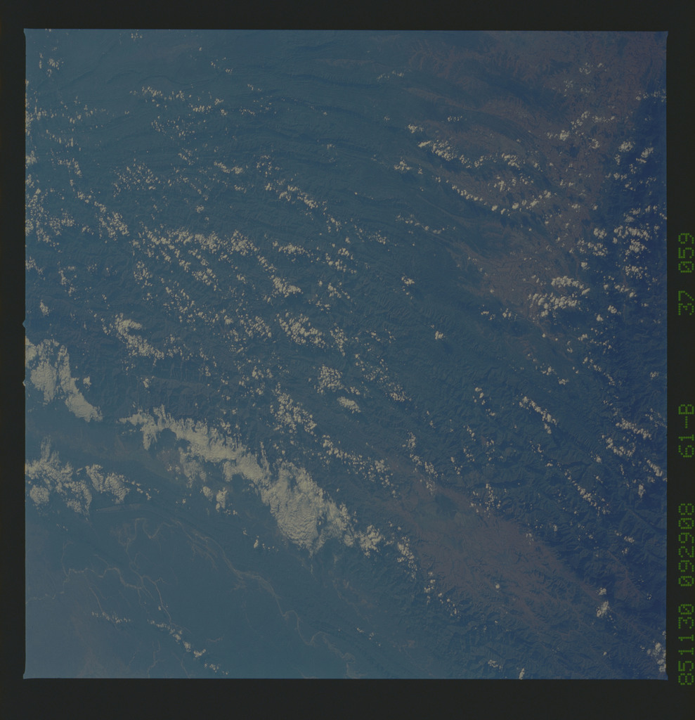 61B-37-059 - STS-61B - STS-61B earth observations