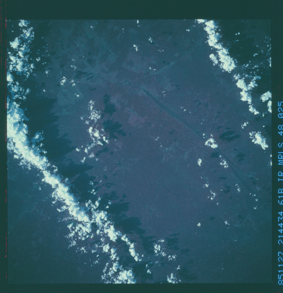 61B-48-025 - STS-61B - STS-61B earth observations