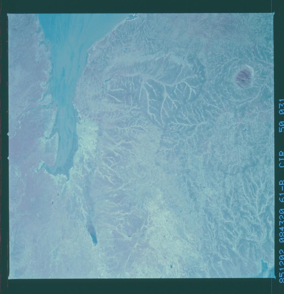 61B-50-031 - STS-61B - STS-61B earth observations