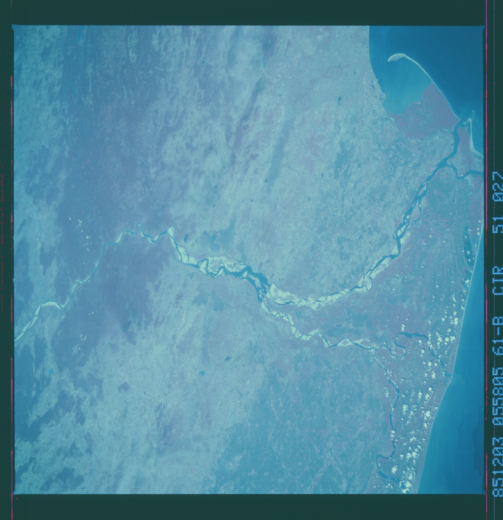 61B-51-027 - STS-61B - STS-61B earth observations