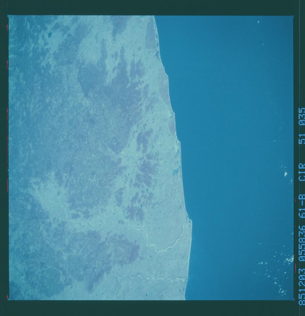 61B-51-035 - STS-61B - STS-61B earth observations