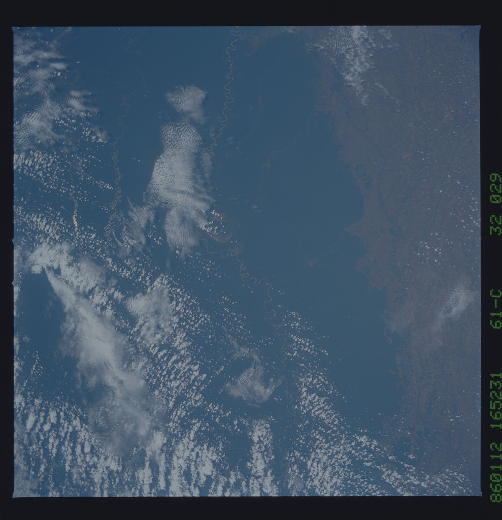 61C-32-029 - STS-61C - STS-61C earth observations