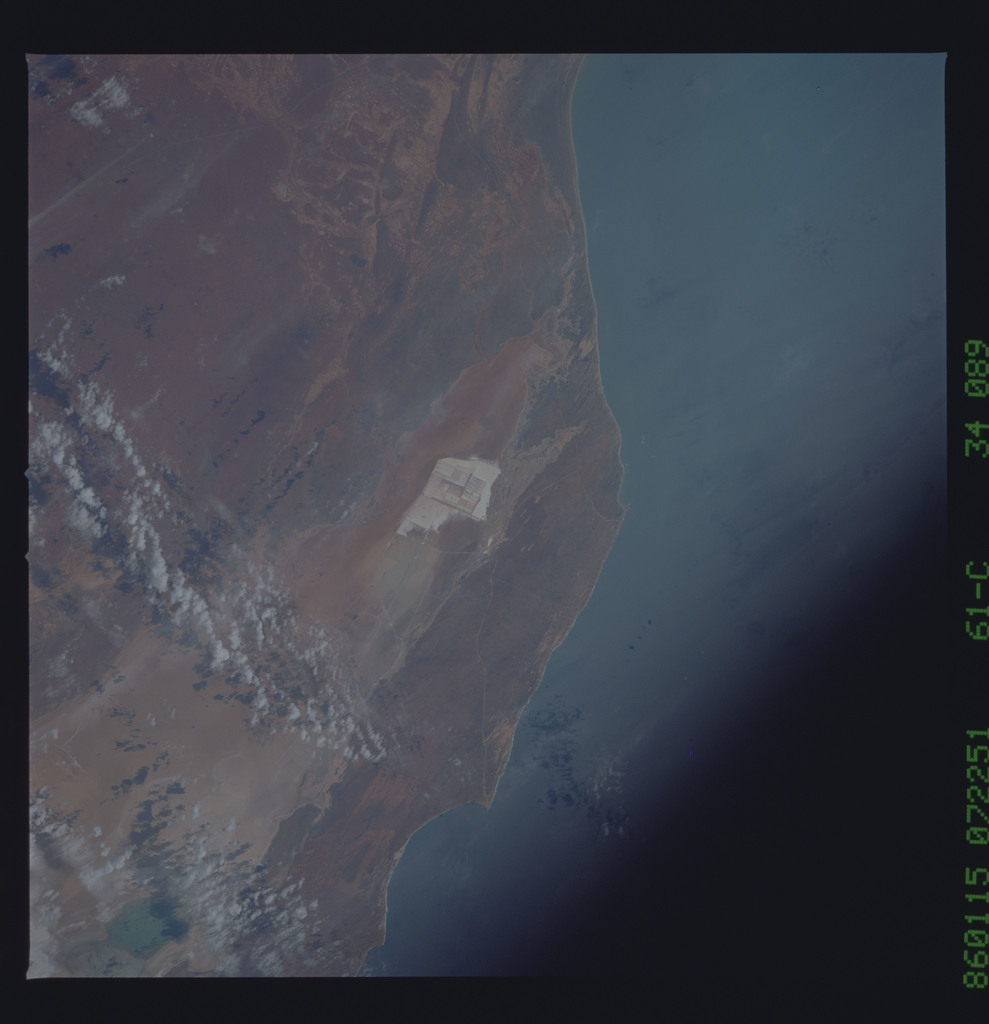 61C-34-089 - STS-61C - STS-61C earth observations