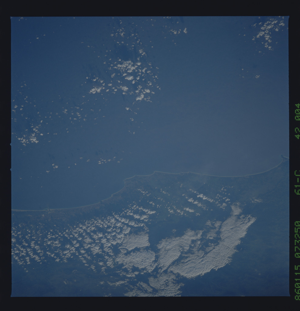 61C-42-004 - STS-61C - STS-61C earth observations