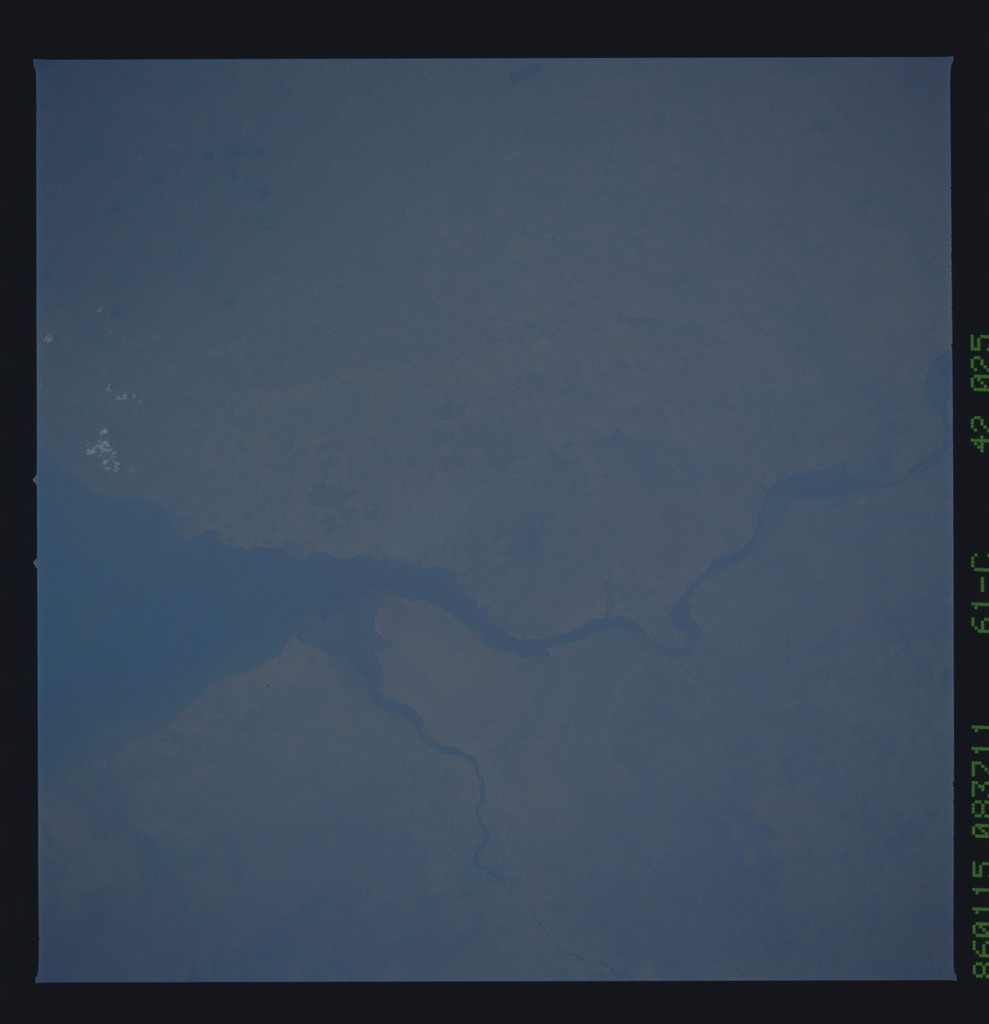61C-42-025 - STS-61C - STS-61C earth observations