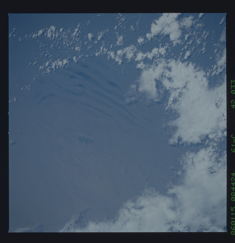 61C-42-033 - STS-61C - STS-61C earth observations