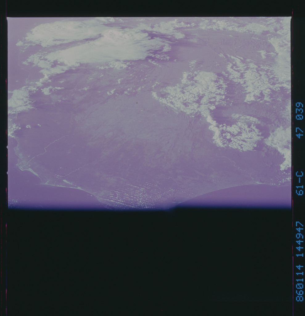 61C-47-039 - STS-61C - STS-61C earth observations