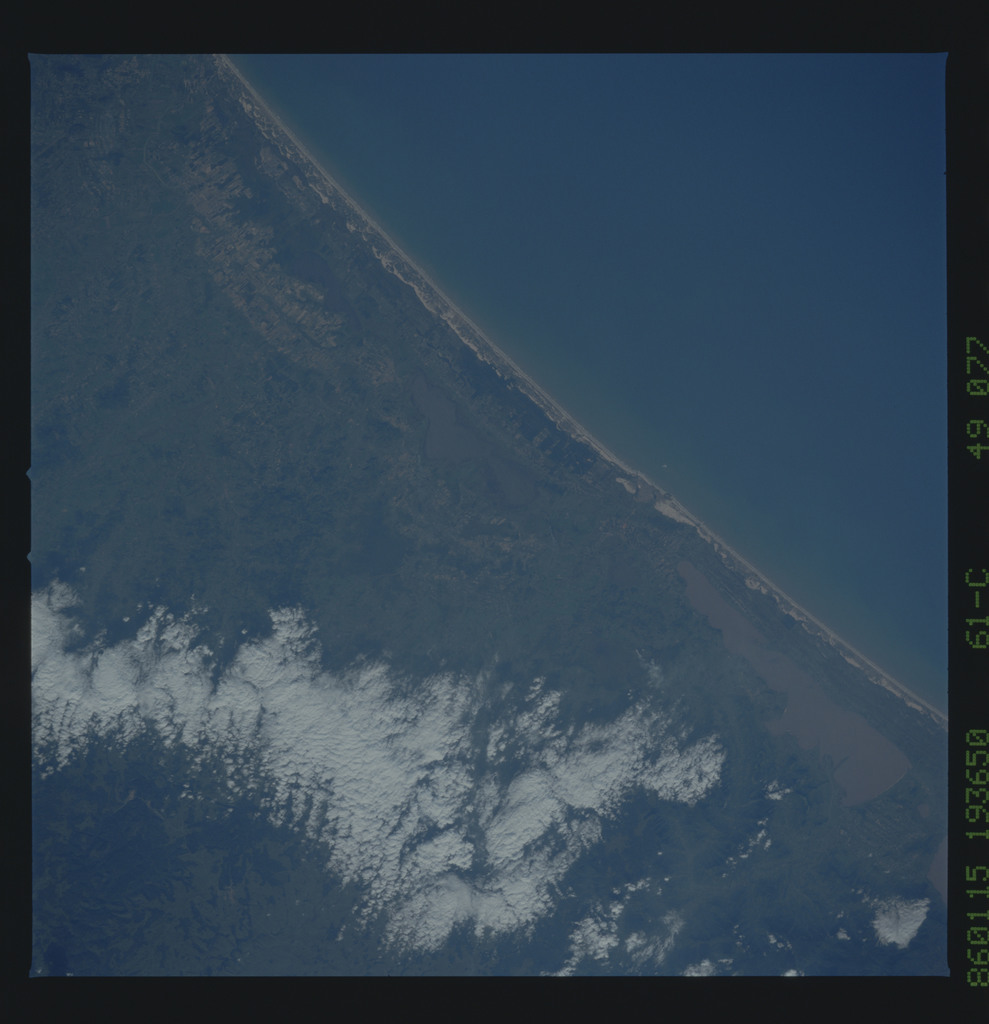 61C-49-077 - STS-61C - STS-61C earth observations