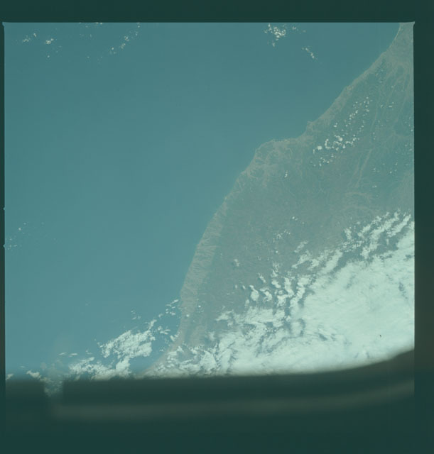 S02-10-620 - STS-002 - Earth observations taken during STS-2 mission