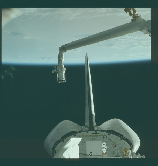 S02-12-832 - STS-002 - View of RMS and OSTA-1 experiments in Columbia's payload bay