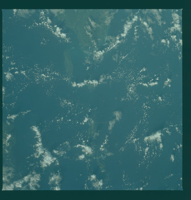 S02-14-176 - STS-002 - Earth observations taken during STS-2