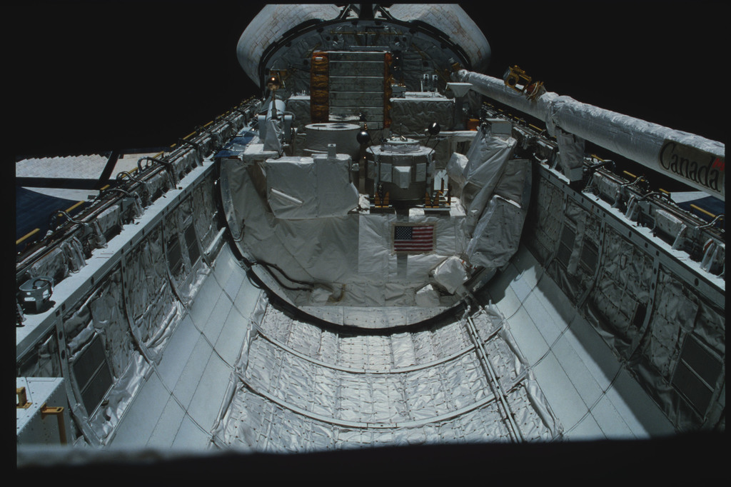 S03-22-135 - STS-003 - Overall views of payload bay taken from the aft flight deck viewing windows