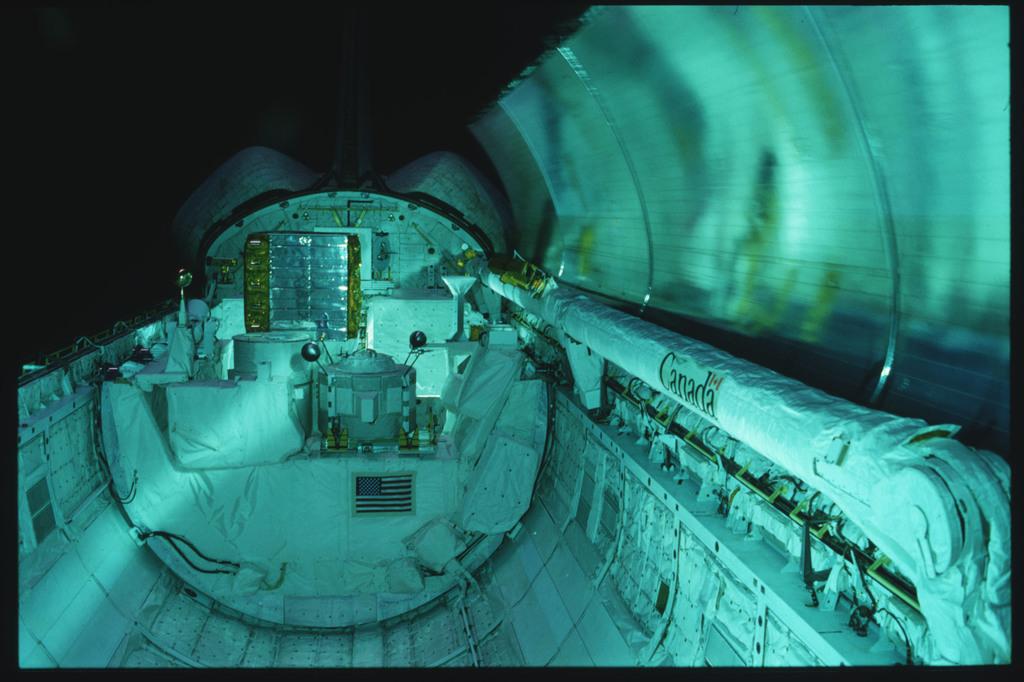 S03-24-200 - STS-003 - Payload bay (PLB) door opening / closing procedures