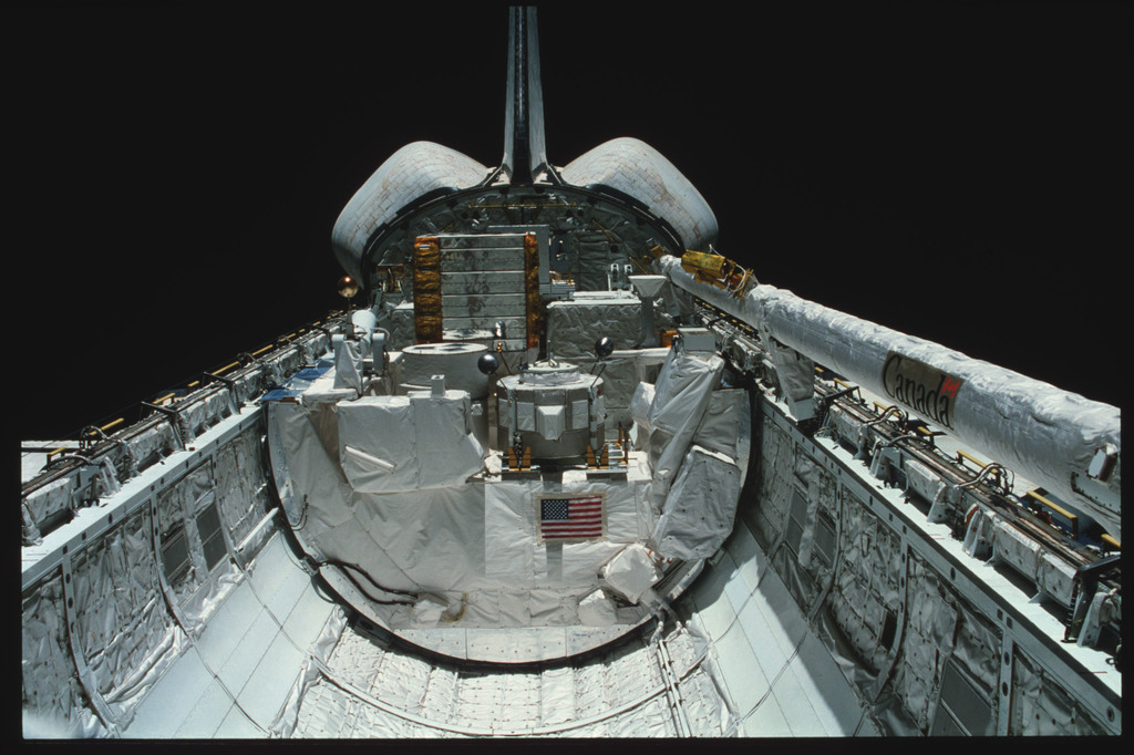 S03-24-205 - STS-003 - Overall views of payload bay taken from the aft flight deck viewing windows