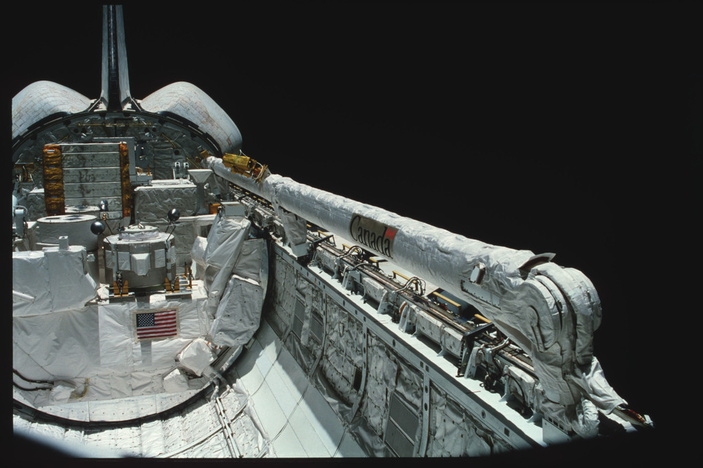 S03-24-208 - STS-003 - Overall views of payload bay taken from the aft flight deck viewing windows