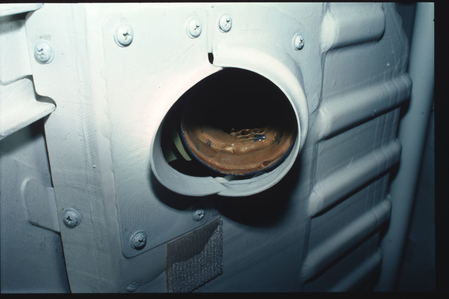 S03-31-293 - STS-003 - Closeups of leak on airlock ARS circulation duct