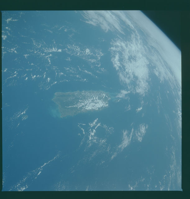 S05-42-1420 - STS-005 - Earth observations taken during STS-5 mission