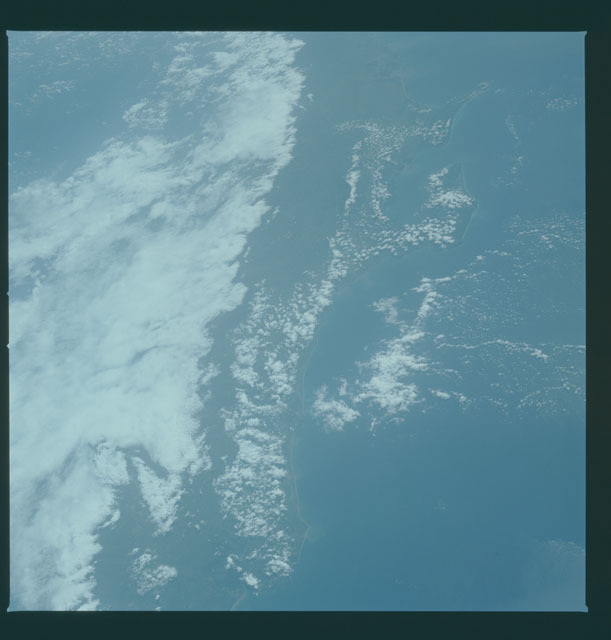 S05-43-1601 - STS-005 - Earth observations taken during STS-5 mission