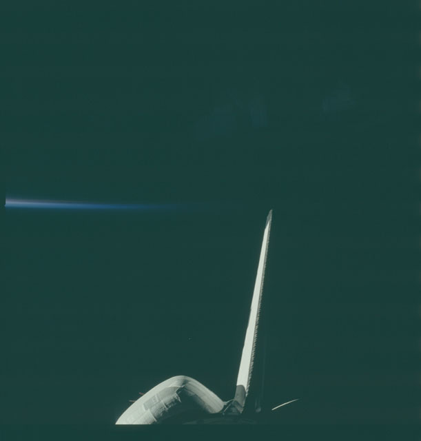 S06-43-267 - STS-006 - Tail glow as seen during STS-6 mission