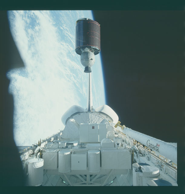 S07-18-772 - STS-007 - View of the launch of the Telesat-F satellite from payload bay