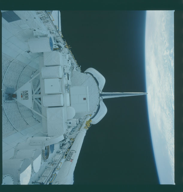 S07-19-935 - STS-007 - View of payload bay during STS-7