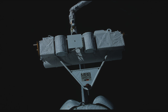 S07-25-1395 - STS-007 - Shuttle Pallet Satellite (SPAS) 01 grappled and released by RMS end effector