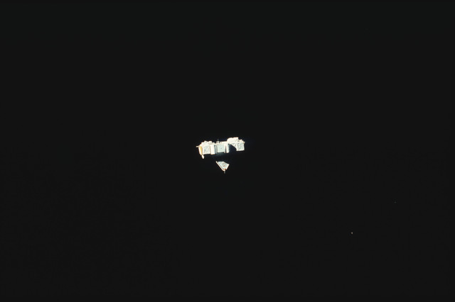 S07-25-1405 - STS-007 - Shuttle Pallet Satellite (SPAS) 01 drifts in space after RMS release