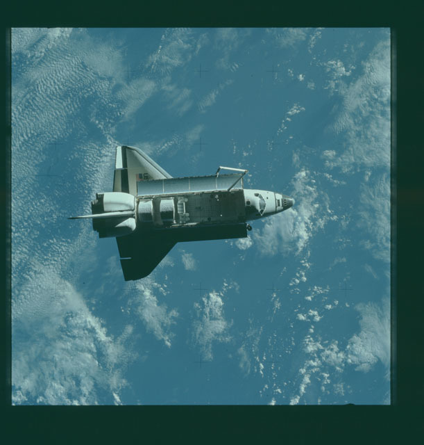 S07-32-1650 - STS-007 - View of the shuttle Challenger from the SPAS-01 satellite