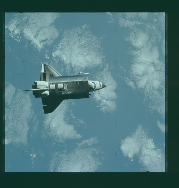 S07-32-1659 - STS-007 - View of the shuttle Challenger from the SPAS-01 satellite
