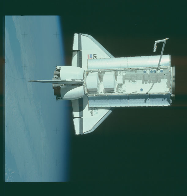 S07-32-1752 - STS-007 - View of the shuttle Challenger from the SPAS-01 satellite