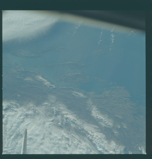 S09-38-2330 - STS-009 - Earth observations taken by the STS-9 crew
